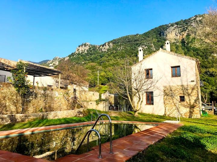 Eva Recommends Casa Rural 1 El Bosque B&B piscina
