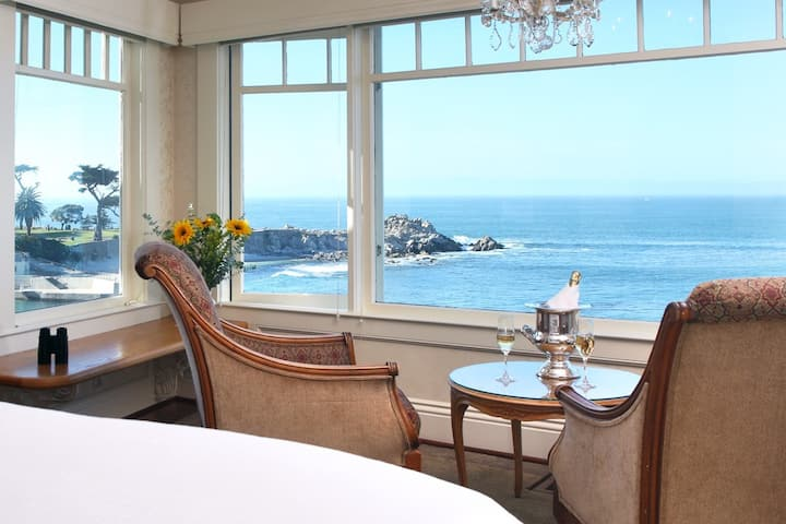 Seal Rocks Room-Seven Gables Boutique Hotel