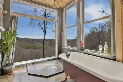 The Valhalla Sky Suite at Hi Saw Gap