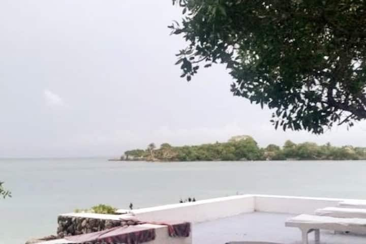 Secluded 3 Bedroom Private Island Near Cartagena