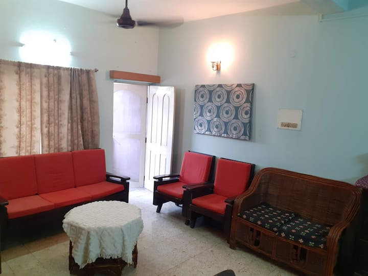 Teak and Cane home 2 bedroom apartment in Begumpet