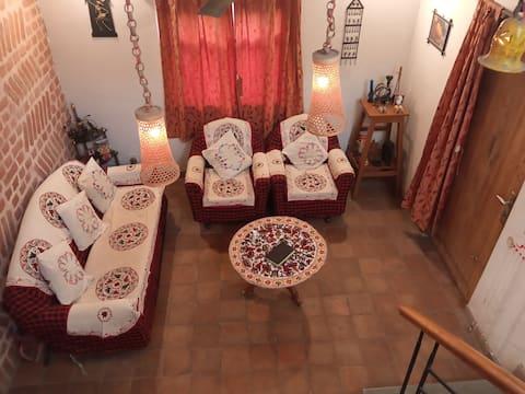 Villa Shantiniketan - Luxurious & Romantic