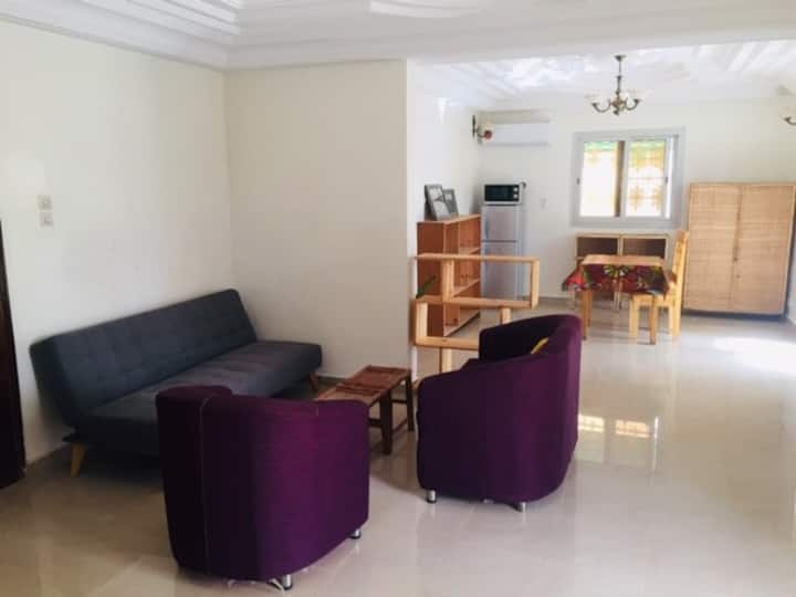 Almadies 1 Bedroom Apt w/Huge living+outdoor space