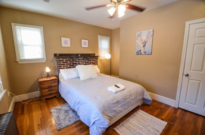 Queen Bedroom | MH #G2