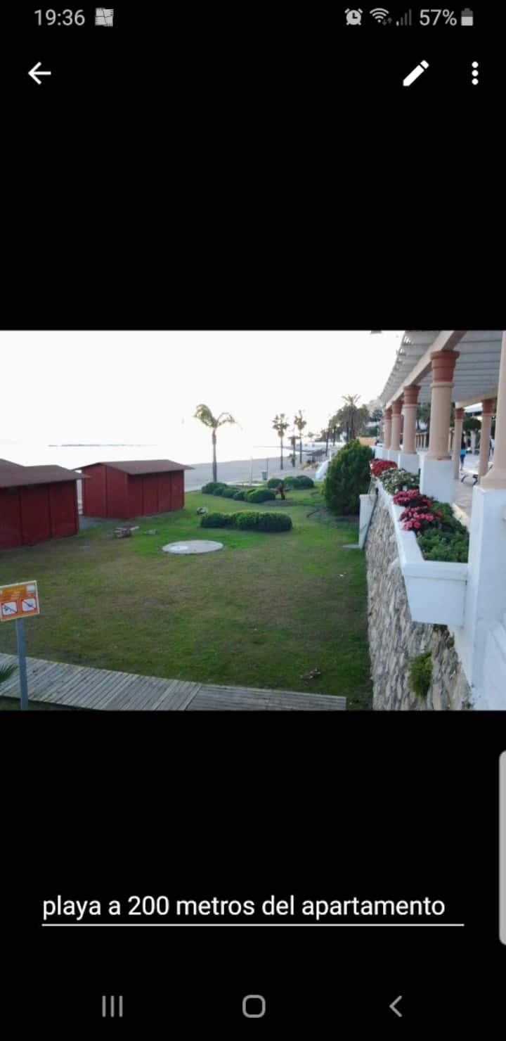 Apartamento de 3 dormitorios a 300 m de la playa