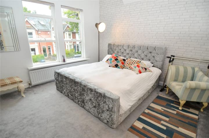 Next to Cannon Hill Park & 12mins from City Centre
