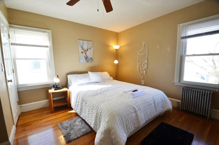 Queen Bedroom | MH #G6