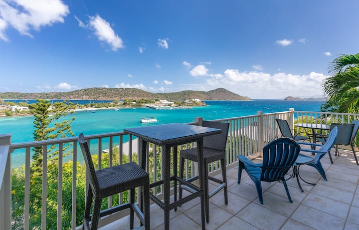 Sea To Believe 1BR/1BA - Gorgeous Views for Two!