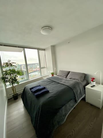 Secondary bedroom is private with comfortable queen bed. Fresh and clean towels and bedding are provided.