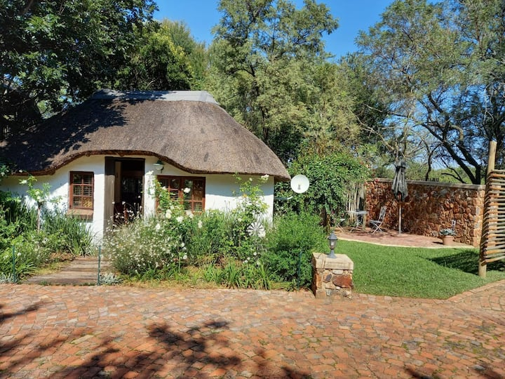Nyala Cottage - Relax, Work, Sleep
