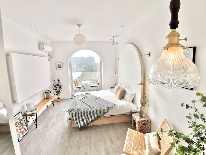 TheOne·一墅/花园别墅/法式浪漫/落地玻璃浴缸大床套房含双份免费早餐/迪士尼接送
