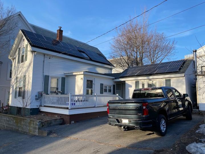 Entire House w/ Yard, Parking, Breweries & Beach!