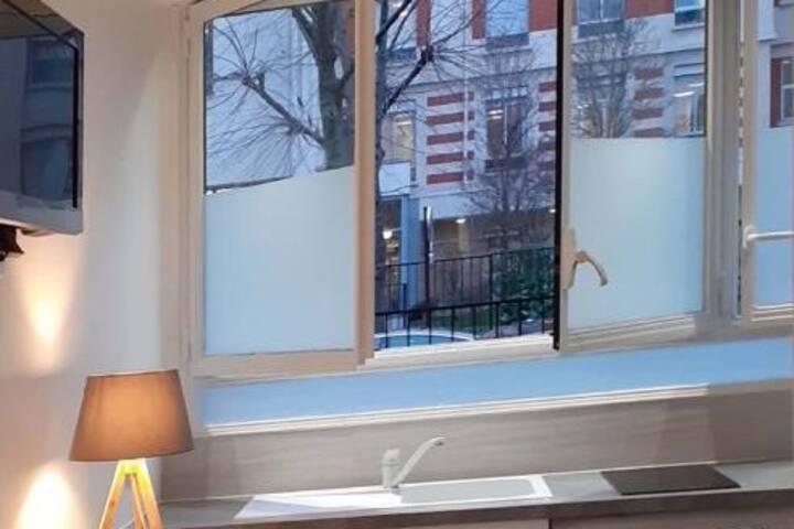 Studio face Hôpital Américain /vue sur jardin