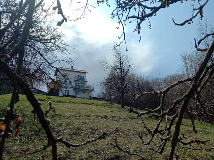 """""""Happy Trails"""" House in the heart of the Balkans"""