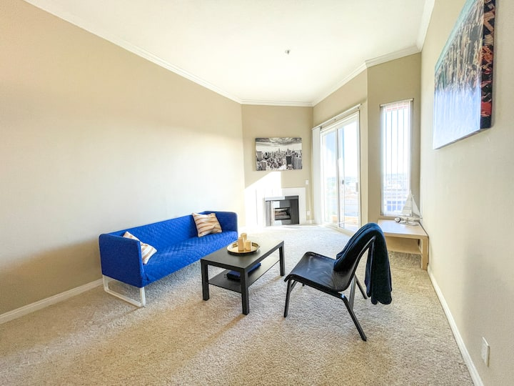Luxury 1 Bedroom Apartment in Hollywood, CA