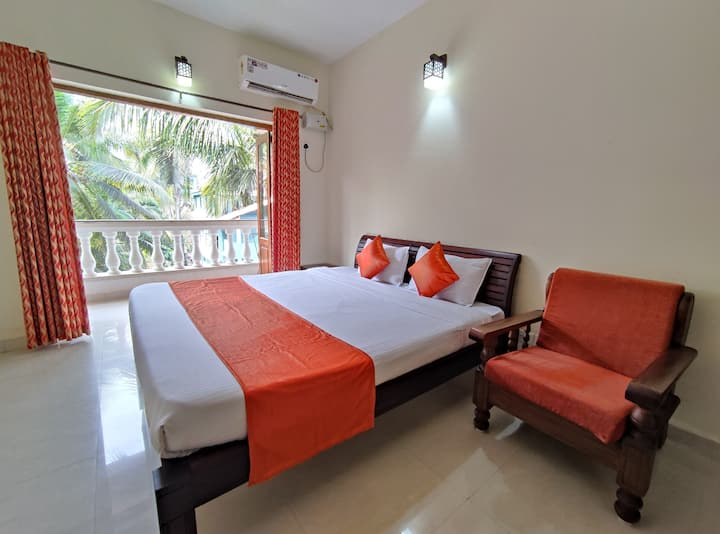 AC Apartment in Goa with Kitchenette
