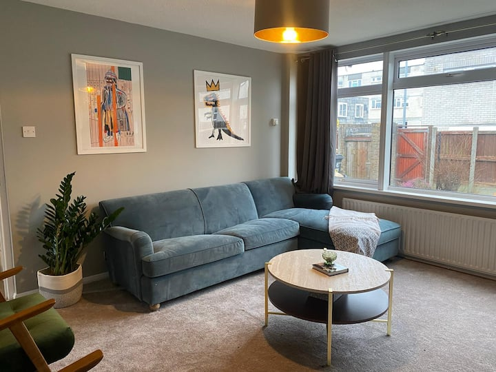 Comfy home with Netflix w/ Access to C. London