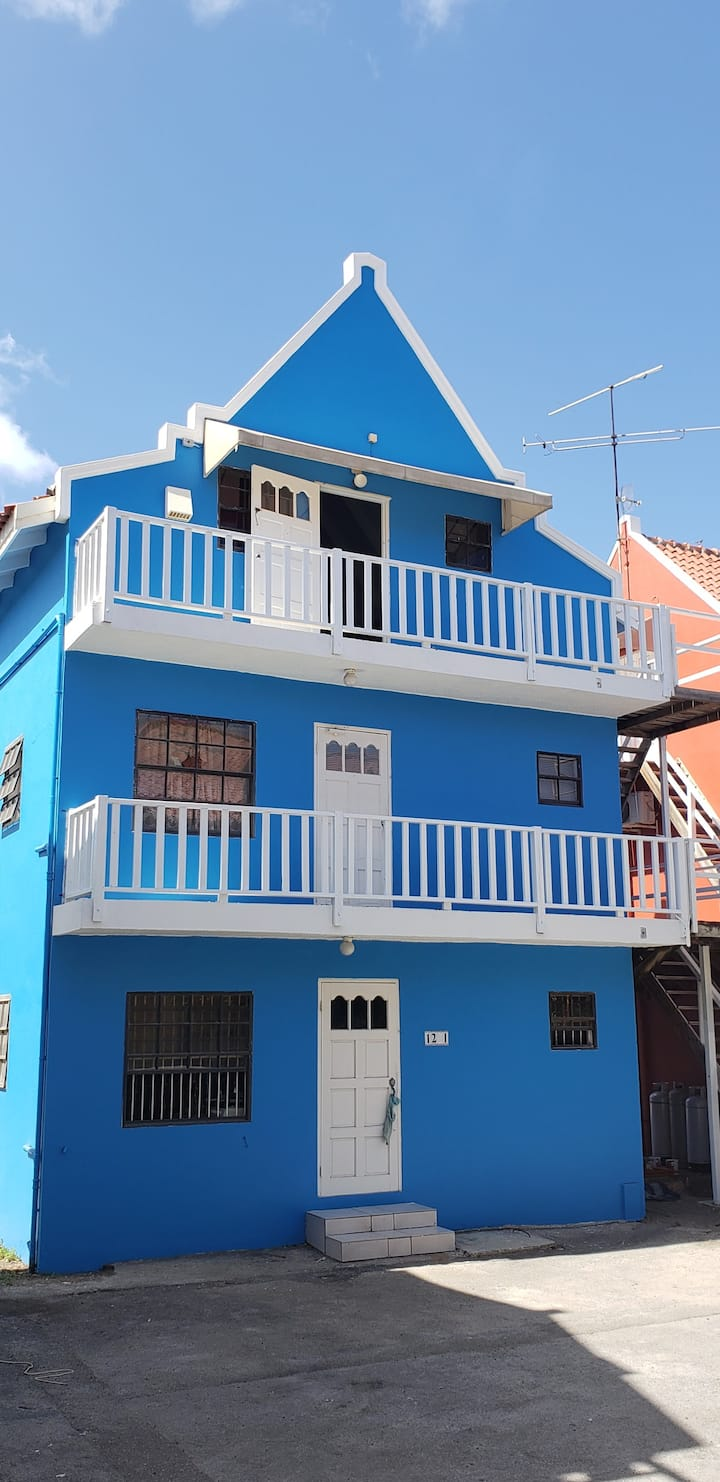 CityLife Apartments in Historic Willemstad - 2 br