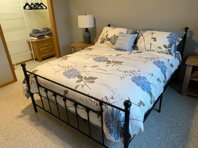 Downstairs Queen Bed & pull out twin bed.