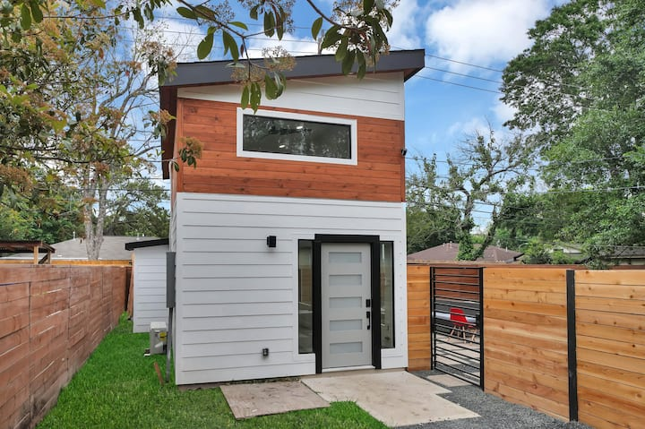 Huge Modern Tiny Home in the City