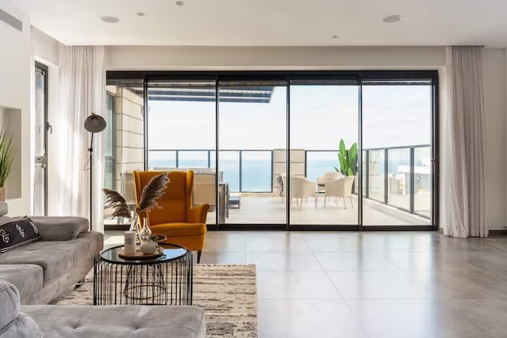 Luxury penthouse Jacuzzi Sea view High floor