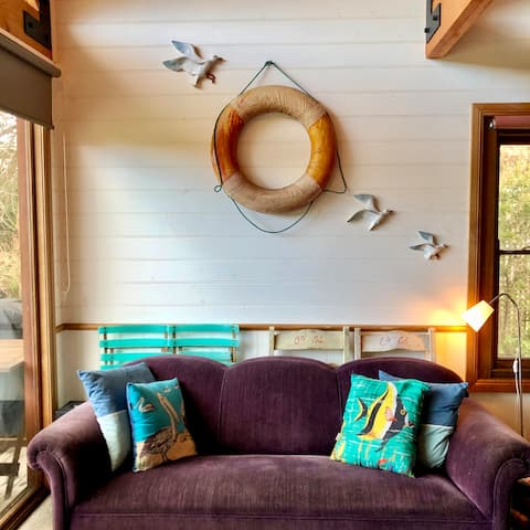 Nobby's Rest - cute and quirky beach cottage
