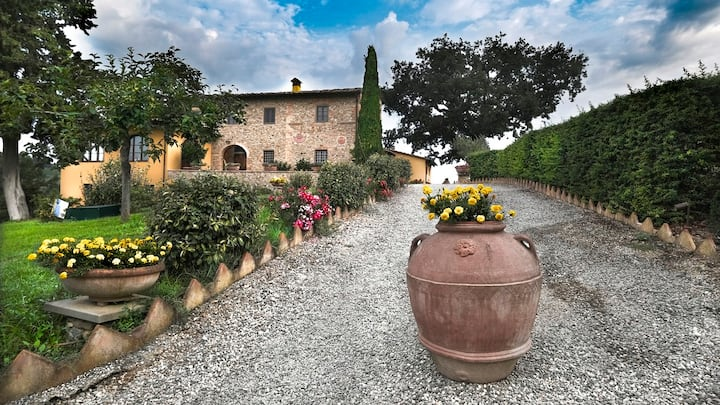 Huge estate set deep in the rolling Chianti hills