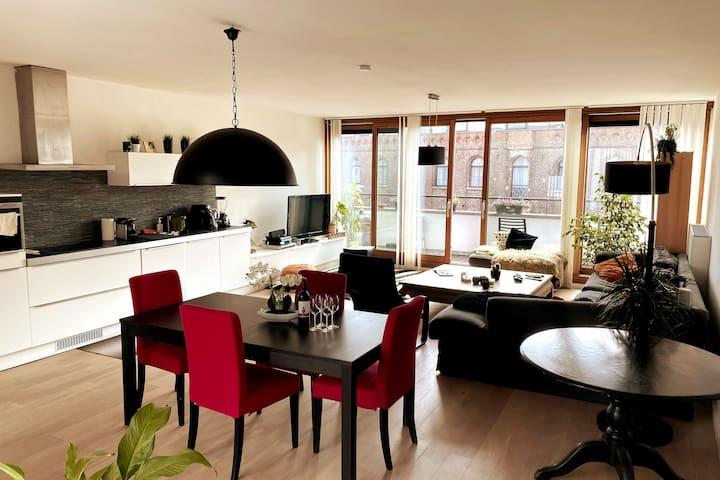 Big open space living room & kitchen