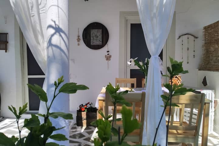 Abelaki Holiday Home