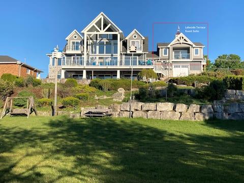 Lakeside Terrace: 1br Kincardine Waterfront Suite