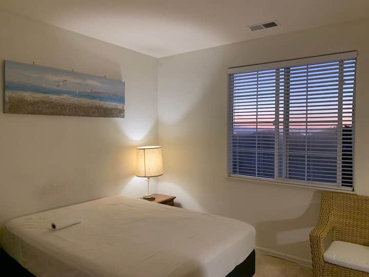 (New) Ocean View specious room in a beautiful home