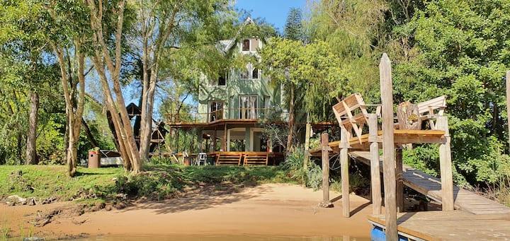 Unica residencia delta de Tigre Arroyo Abra Vieja.