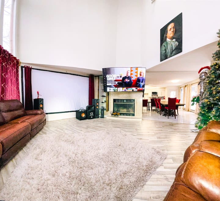 Extra Large Hot Tub, Movie Theater,Sauna,Game Room