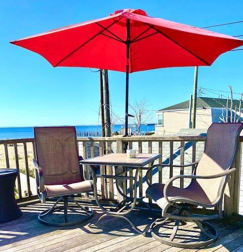 Beachfront Condo, Great Views!