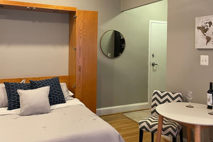 DC - Private Studio Near Metro w/ Kitchen, WiFi