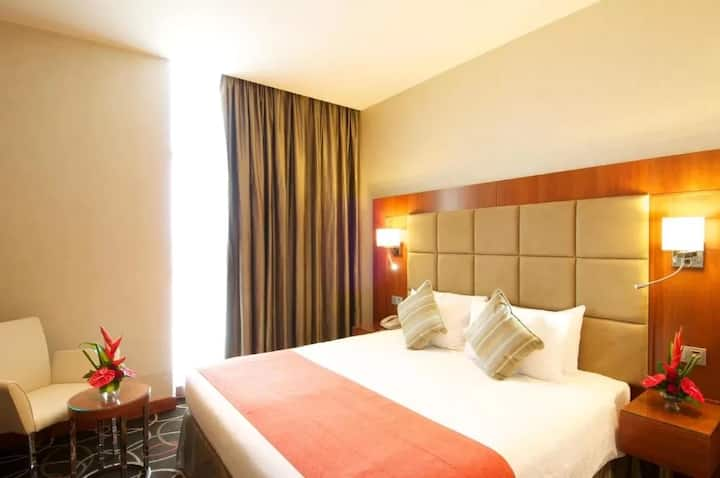 Air-Conditioned Room Features an Elegant Ambiance