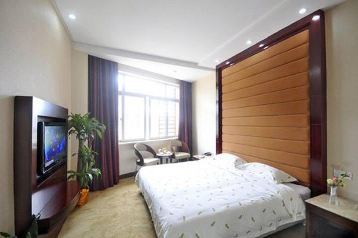 大床房/酒店内部/环境优美、独立庭院