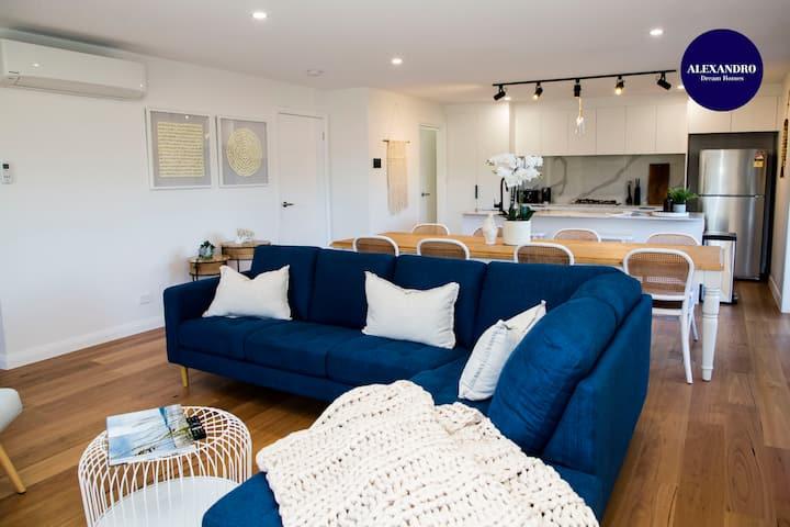 BRAND NEW HOME // CLOSE PROXIMITY TO THE BEACH