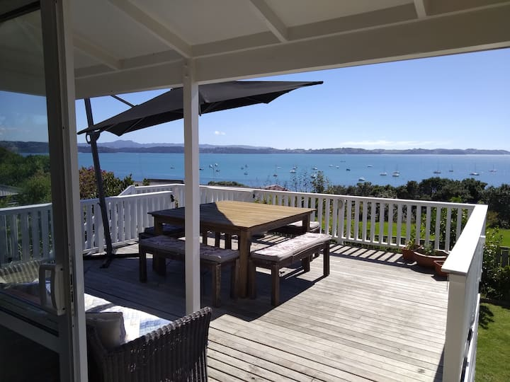 Beautiful sea views, relaxed and rustic spot!