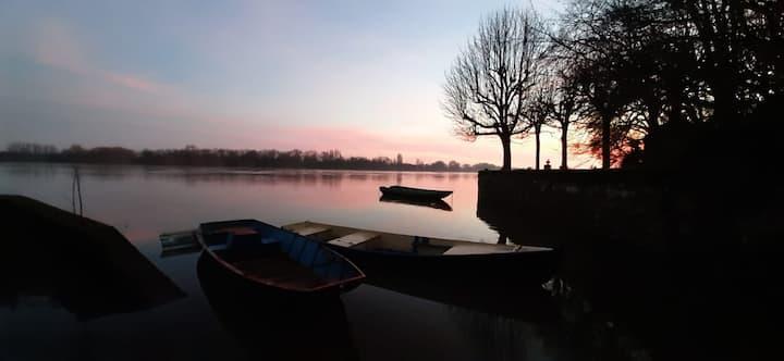 meublé très proche Loire,  dans village de charme