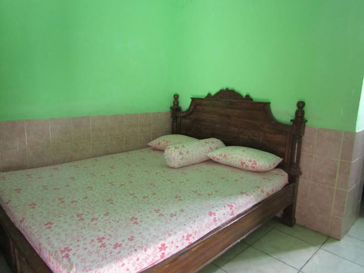 Affordable Economy Double Room at Sabar Menanti 2