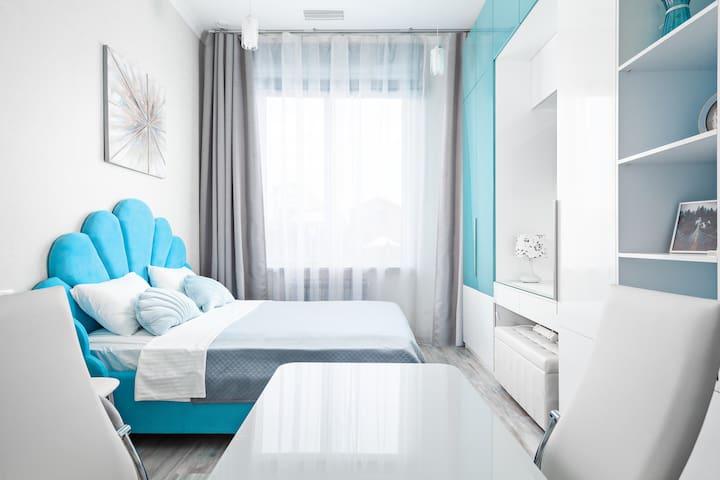 Двуспальная кровать, шириной 170 см