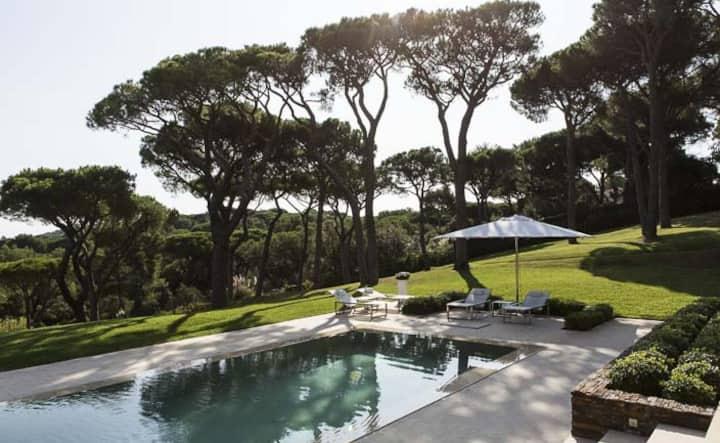 Très jolie villa avec piscine pour 6 personnes