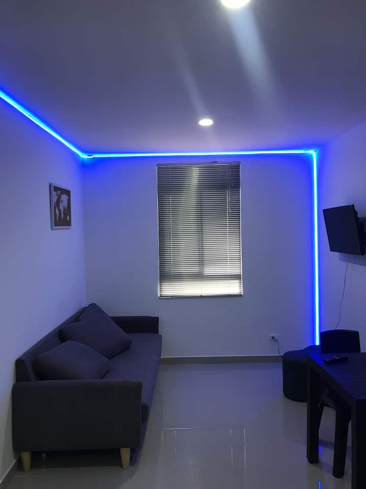 Enjoy Lovely Room in beautiful Apartment
