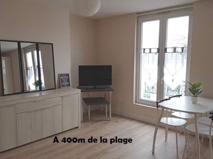 Appartement lumineux, 400m de la plage.