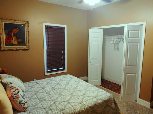 Guest bedroom #1 w/ queen size bed
