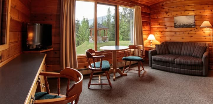 Riverview Junior Suite - Athabasca River View