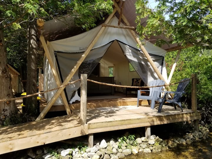 "Greyridge Glamping ""Riverside Escape"""