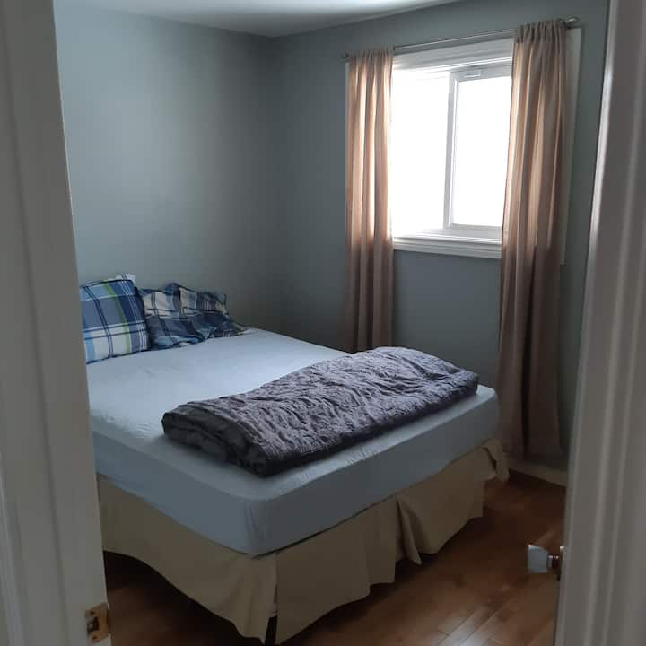 1 PRIVATE BEDROOM WITH PARKING