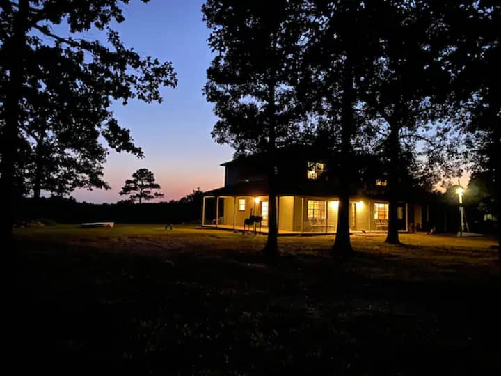 Awi Odalv  is your get-away in Tahlequah, OK